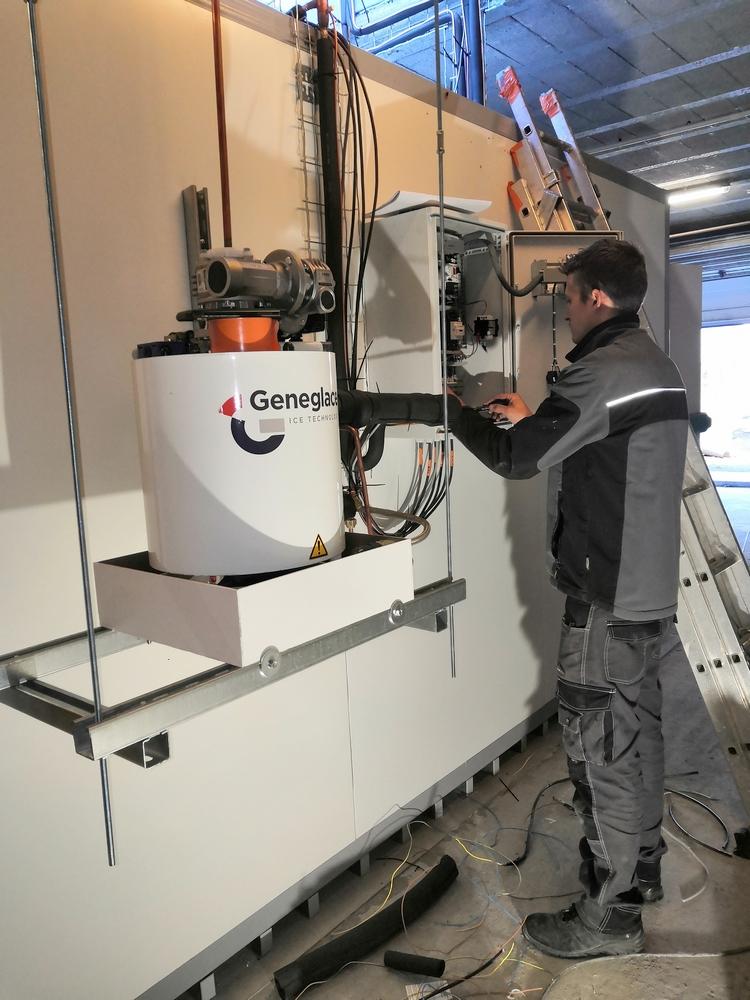 Installation d'une machine à glace - Geneglace